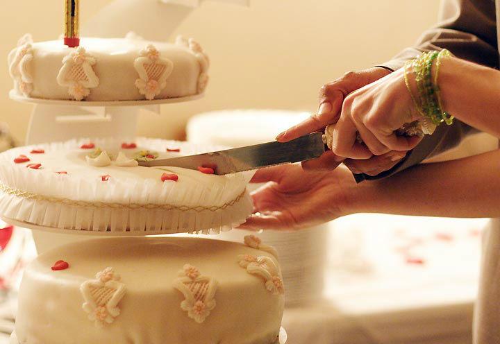 Beispiel: Anschneiden der Hochzeitstorte, Foto: Restaurant Schottenhof.