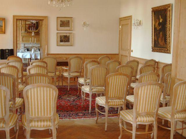 Beispiel: Schlosssalon, Foto: Schloss Diedersdorf.