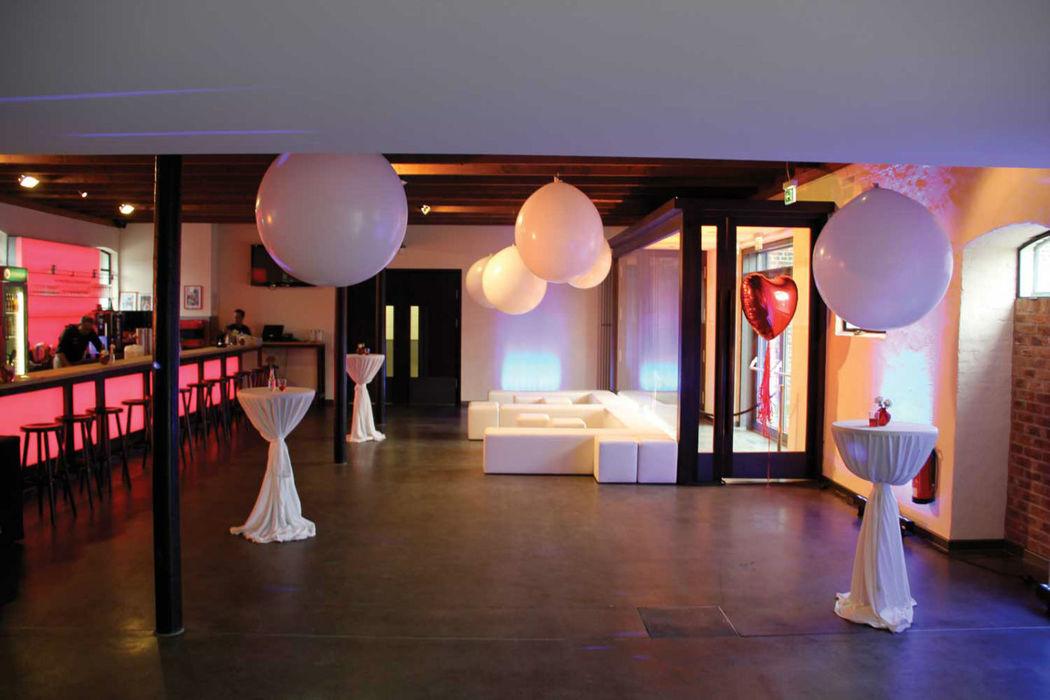 Beispiel: Foyer - Hochzeitsempfang, Foto: Eltzhof - das Kulturgut.