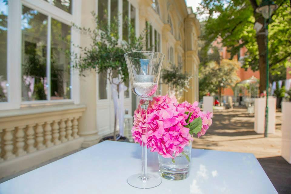 Beispiel: Agape auf der Terrasse, Foto: Kursalon Mödling.