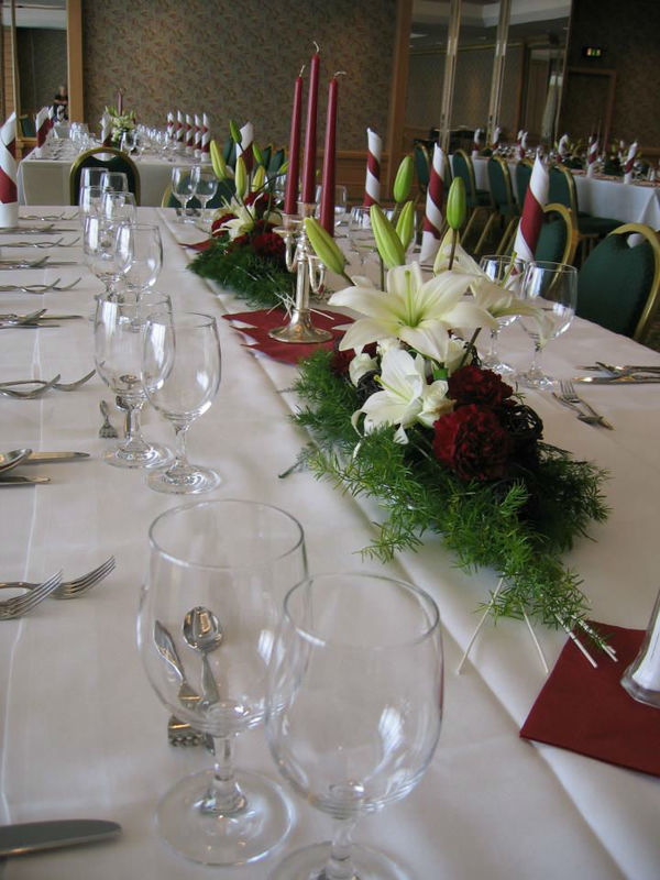 Beispiel: Tischdekoration, Foto: Meike Treiber Blumen und Dekoration.
