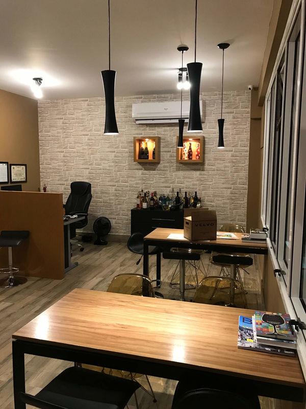 Livimport Wine & Spirits