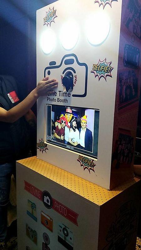 Time To Selfie Photobooth / w.fotocabinaselfie.co