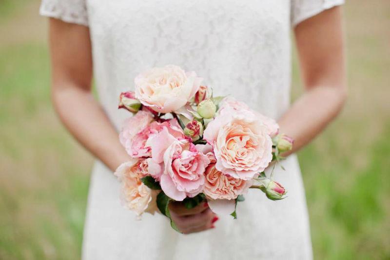 Beispiel: Brautkleid mit Spitze, Foto: küssdiebraut.