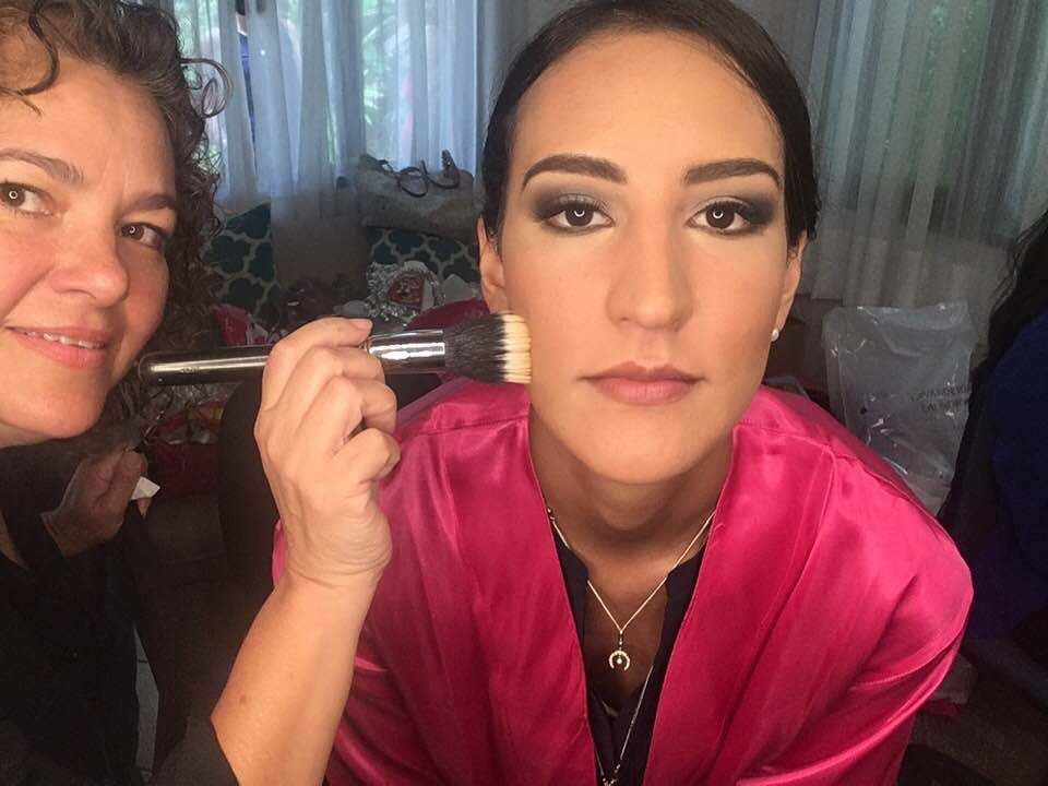 Andrea Lozano Makeup Artist
