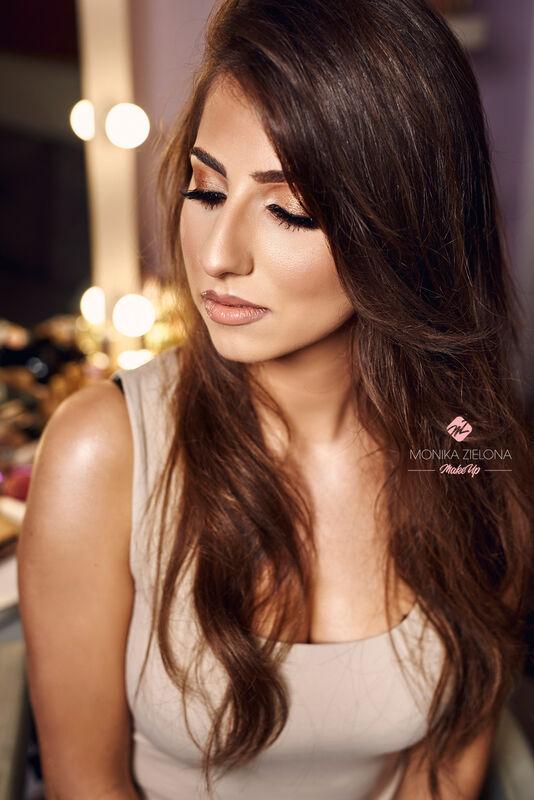 Monika Zielona Make Up