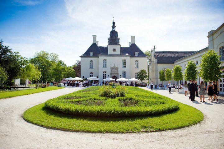 Beispiel: Vorderansicht, Foto: Schloss Gartrop.
