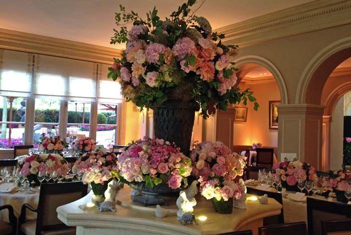 Fleurs, Fruits, Feuillages Spectaculaire réception fleuri au restaurant Laurent 75008  www.fleurs-fruits-feuillages.fr