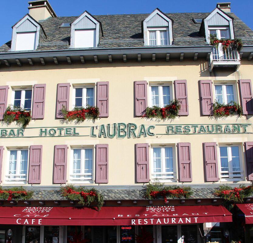 Hôtel-Restaurant L'Aubrac***