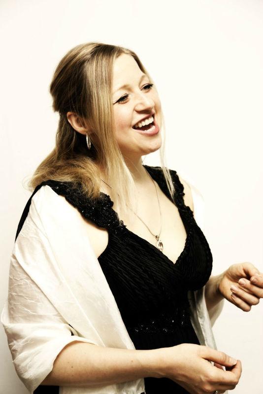 Event- & Hochzeitssängerin Mièl (Melanie Dotzler)
