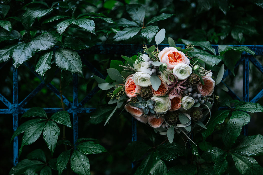 Декор и цветы Blooming Twig