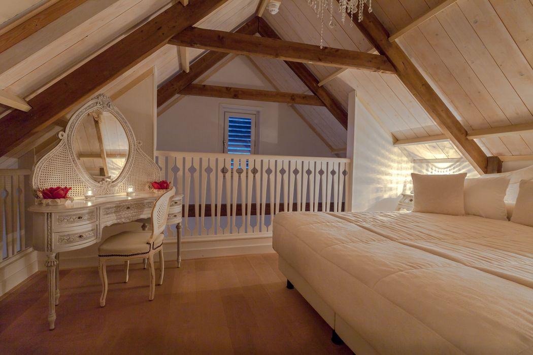 Bruidshuis met kingsize bed en tweepersoons jacuzzi
