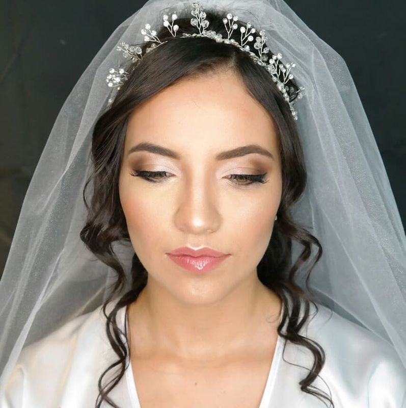 Vicky Dorado Makeup Artist and Hairstyling