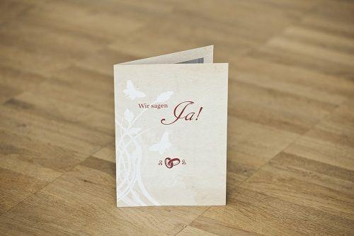 Beispiel: Schlichte Eleganz bei der Hochzeitseinladung, Foto: Familieneinladungen.