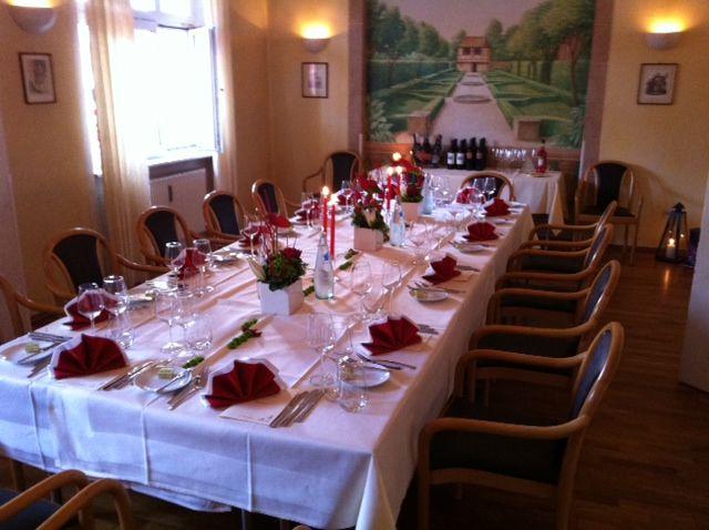 Beispiel: Nebenzimmer Hochzeitsgedeck, Foto: Dampfnudel-Bäck.