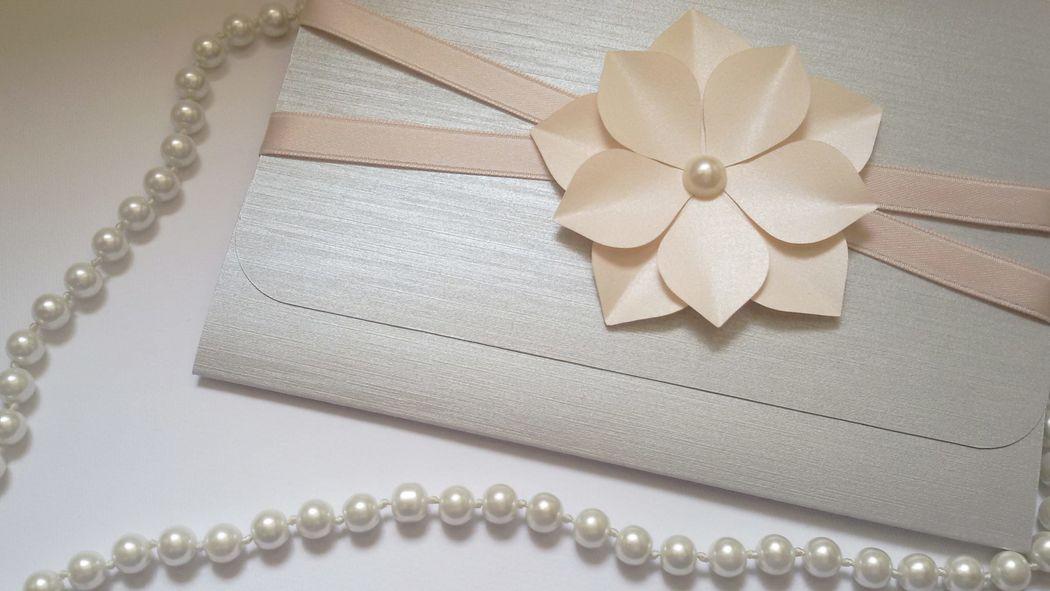 Invito di Nozze modello busta color argento e rosa cipria