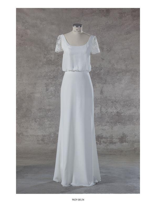Beispiel: Angebot 2017 Schlicht, luftig und leichtes Brautkleid im BohoStil