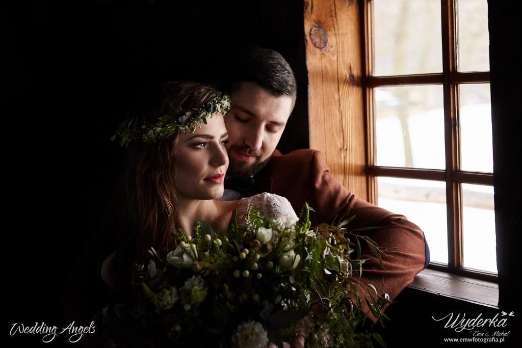 Fragment sesji ślubnej w stylu rustykalnym, Koncepcja, stylizacja i dobór wykonawców: Wedding Angels, Zdjęcie: Ewa i Michał Wyderka Fotografia