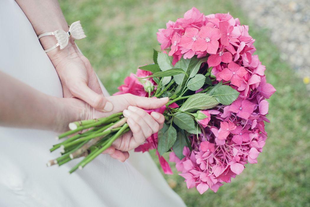 bouquet de mariée avec des hortensias