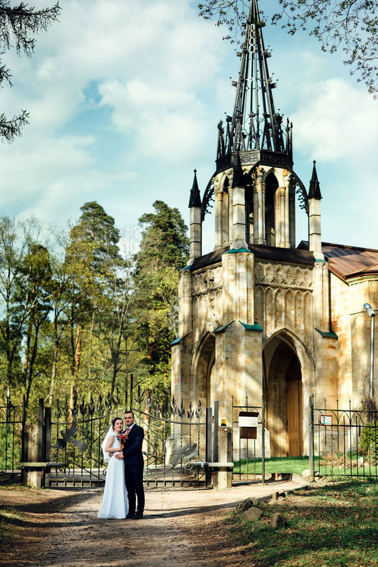 Свадебная фотосессия в шуваловском парке