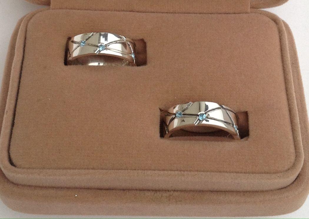 Aros de plata 925 y topacios