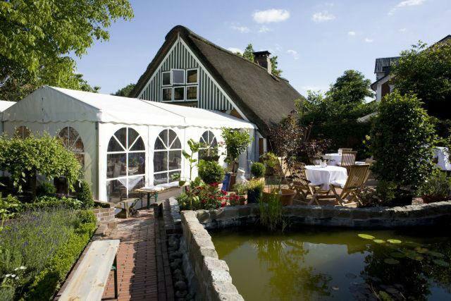Beispiel: Festzelt und Garten, Foto: Kleines Gesellschaftshaus.