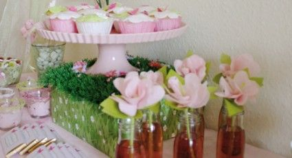 Beispiel: Candy-Bar Flower, Foto: Sweet Candy Table.