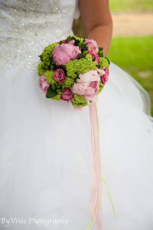 Anaïs Décoratrice Florale Événementielle crédit photo: By Vivie Photography