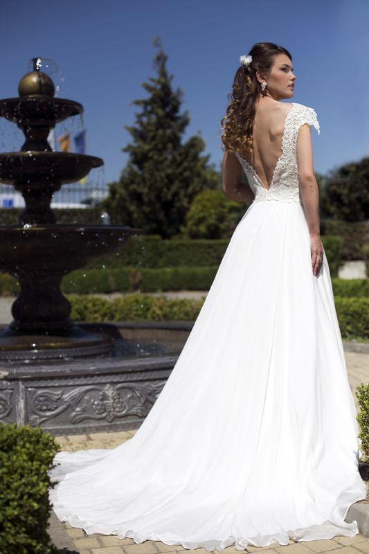 Abito da sposa modello Bianca, collezione Romantica