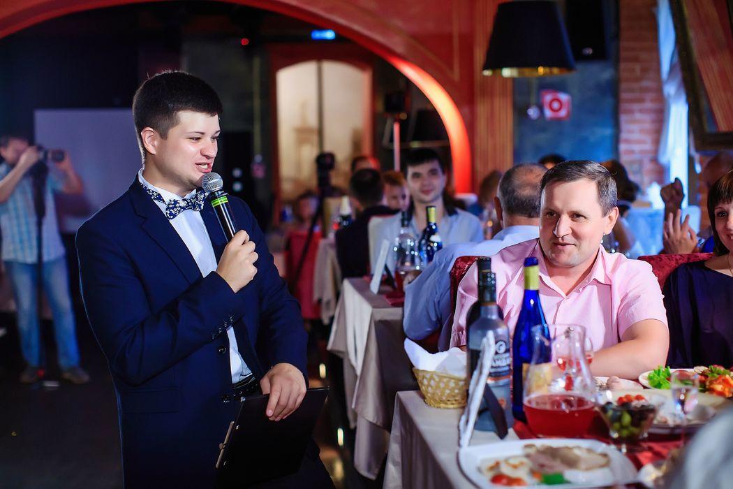 Ведущий Алексей Романовский