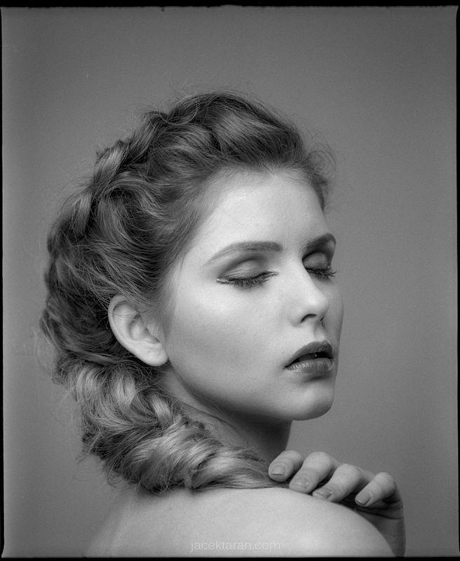 Kosmetyczka- Lucyna Kowalska