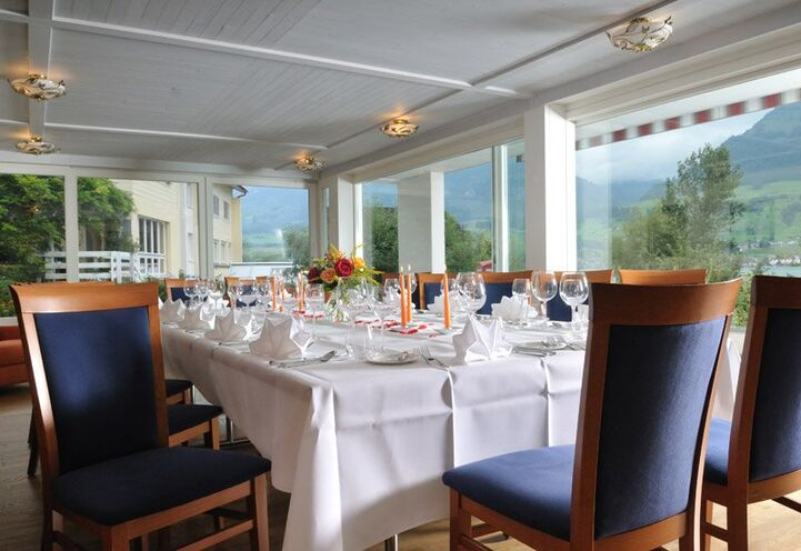 Beispiel: Hochzeitstafel, Foto: Parkhotel Waldheim am Sarnersee.