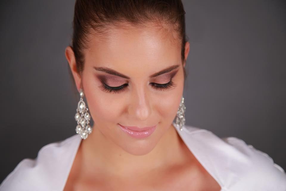 Carolina Cardenas Make Up Artist
