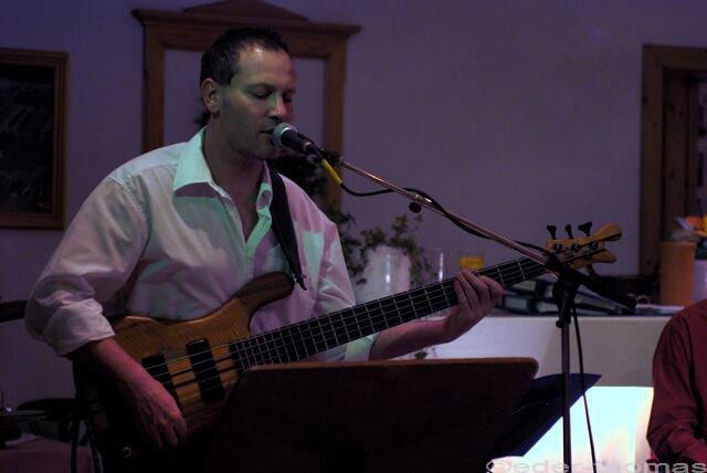 Beispiel: Live-Gesang, Foto: Goodnews Musik.