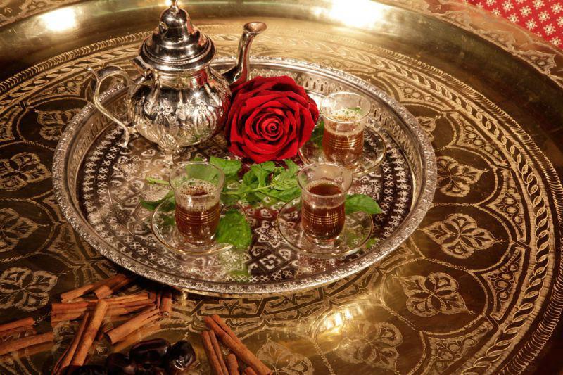Beispiel: Dekoration - Teekännchen, Foto: MADI - Zelt der Sinne.