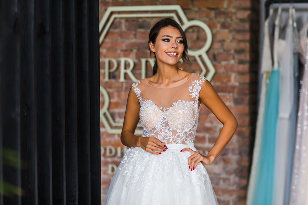 Prive Wedding Agency. Dresses