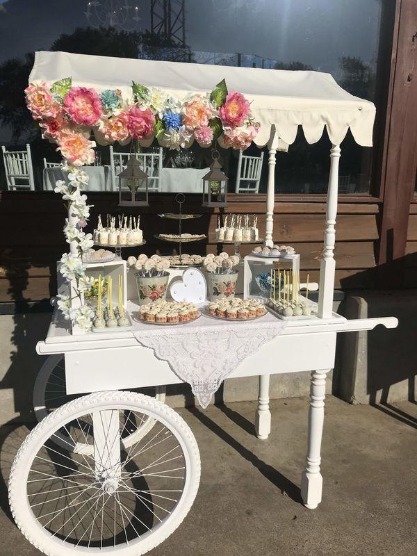 SUM candy cart