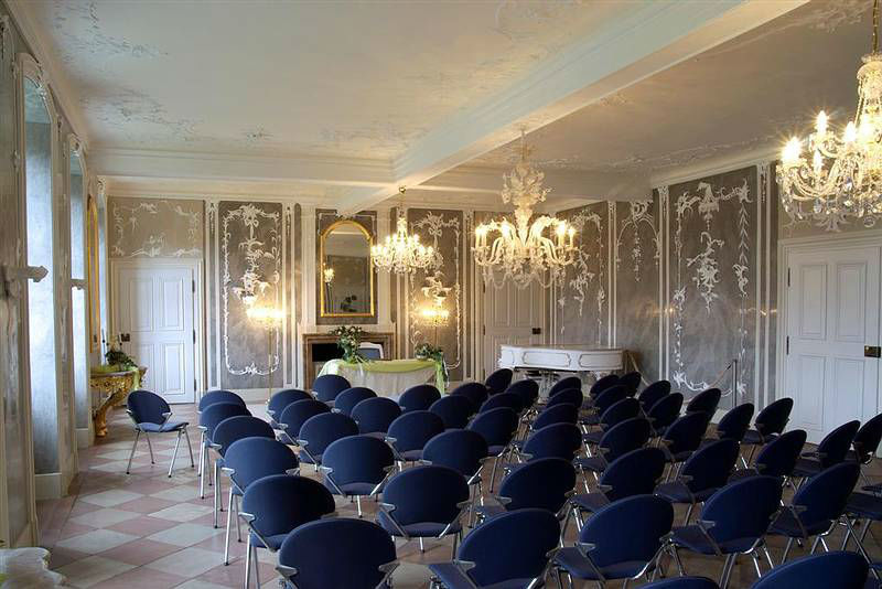 Beispiel: Stucksaal, Foto: Schloss Langenselbold.