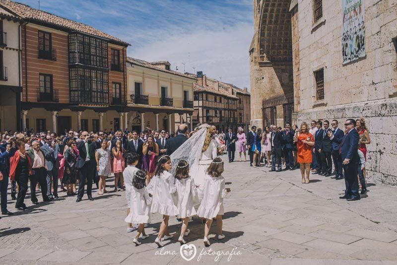 Boda Blanca & Víctor, Alma Fotografía Llegada de la novia a la iglesia