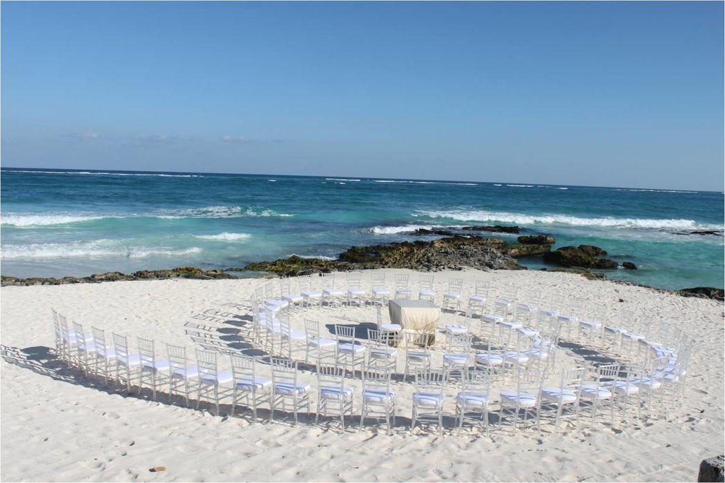 Tenemos ideal para el montaje de tu ceremonia, tiene que ser ¡Muy original y a su estilo!, ustedes son los protagonistas!!