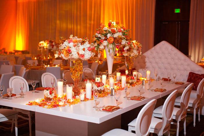 mesas clásicas y decoración moderna