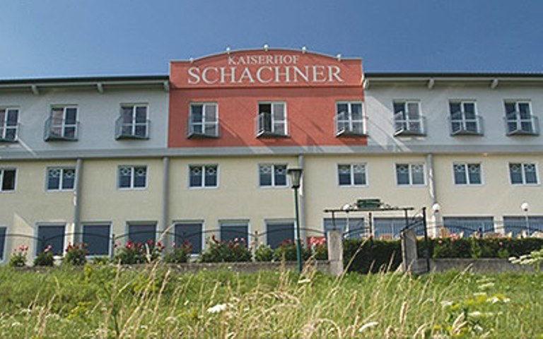 Beispiel: Außenansicht des Hotels, Foto: Hotel Schachner.