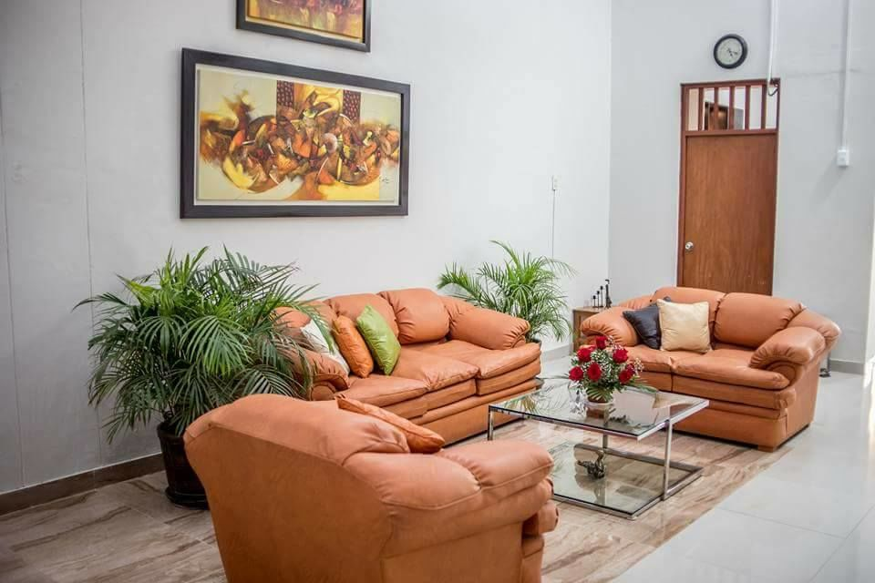 Hotel Estancia Real