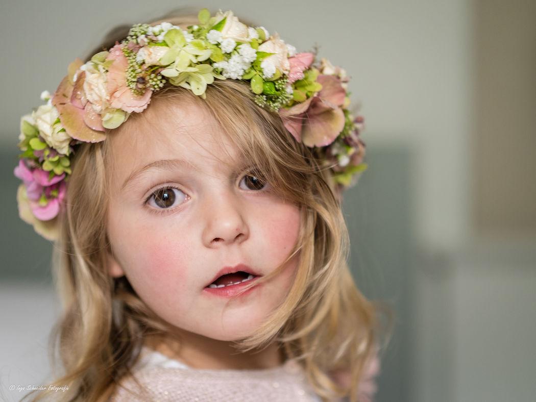 Haarkranz Blumenmädchen (Foto: Ingo Schneider Fotografie)