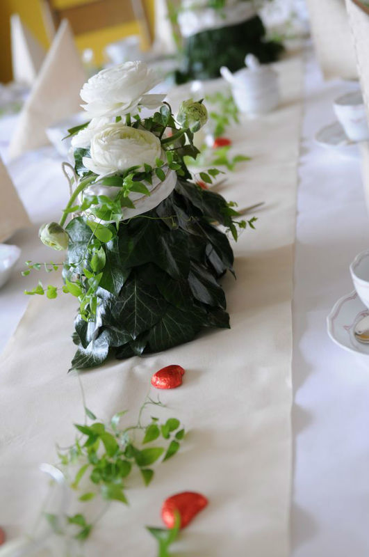 Beispiel: Blumen für den Hochzeitstisch, Foto: blumenwerkstatt frankfurt.