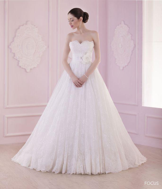 FOCUS ivoire ou blanc - collection Un jour, une mariée
