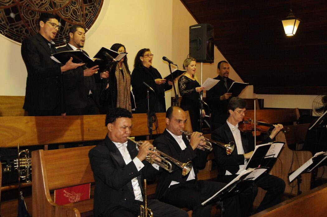 Carla Coral e Orquestra