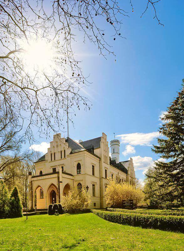Beispiel: Aussenansicht, Foto: Schloss Kropstädt.