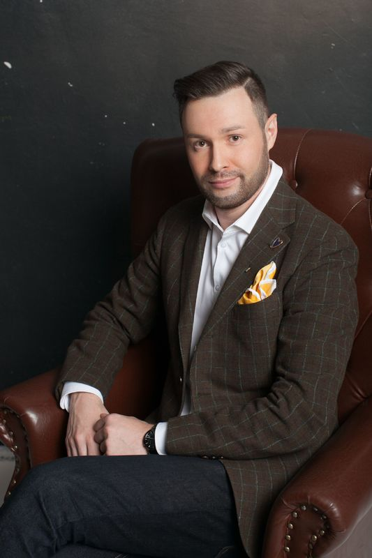 Ведущий Игорь Андреев