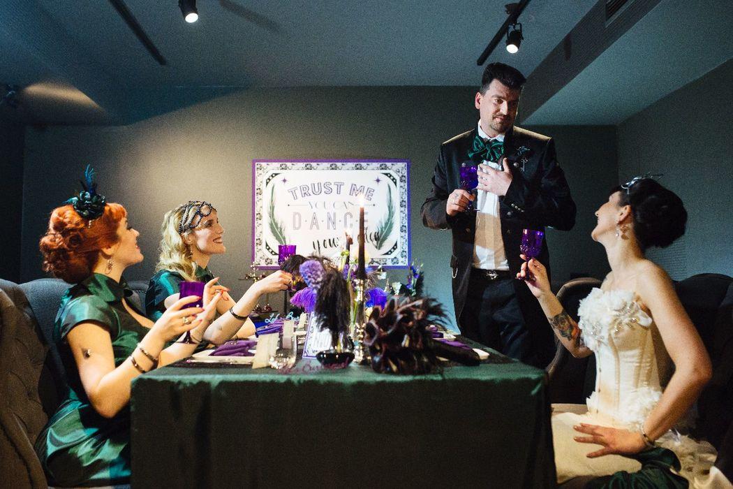 Burlesque Wedding / Foto: Pink Pixel / Freakin' Fine Weddings by Svenja Schirk